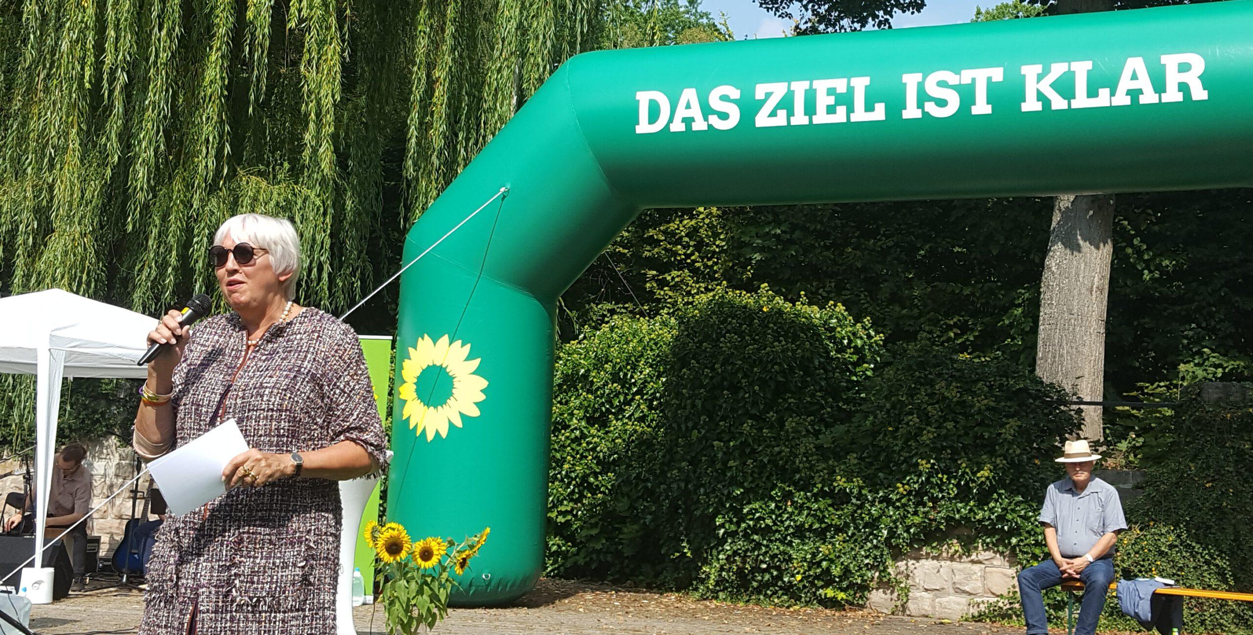 """""""Ändern wir die Regierung, die Welt braucht es!"""" – Claudia Roth beim Wahlkampfhöhepunkt in Zirndorf"""